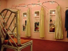 pop up boutique fitting room inspiration