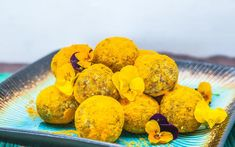 Healthy Treat for Winter season.With a peppery, warm and bitter flavour, the mild fragrance of turmeric resembles orange and ginger, which makes it a national favourite. Healthy Sweets, Easy Healthy Recipes, Happy Healthy, Healthy Snacks, Mango Cheesecake, Cheesecake Recipes, Breakfast Dessert, Dessert For Dinner, Turmeric Recipes