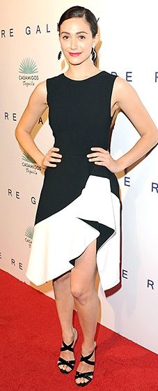 Emmy Rossum looked gorgeous at the De Re Gallery and Casamigos event in a flattering black and white cocktail dress.