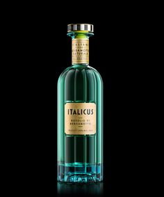 Client: Italicus; Based on a century old Italian recipe that was the drink of kings; grown, harvested & expertly crafted in Italy | Graphic Design Packaging: Stranger & Stranger | Published: December 5, 2016 | via behance.net - Luxury Beauty - http://amzn.to/2hZFa13