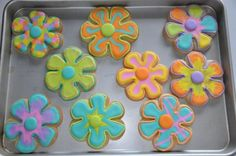 Flower Cookies For May Baskets These are sugar cookies, with royal icing (which I LOVE) made for May baskets Cake Decorating Frosting, Frosting Tips, Cookie Decorating, Cute Cookies, Sugar Cookies, May Baskets, One Smart Cookie, Flower Cookies, Thomas The Train