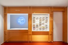 Ace & Tate's remodeled flagship will make you break up with your optician - News - Frameweb Ace Tate, Retail Boutique, Modular Walls, Wall Installation, Retail Space, Optician, Innovation Design, Innovation Lab, Retail Design