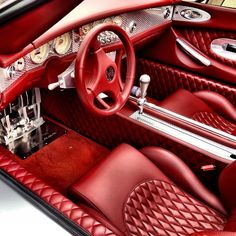 Interior shot of the Spyker C8 Spyder maybe Pagani got influenced by the spyker for the Huayras interior...