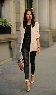 stunning outfit - love the pumps, blazer, top, everything!