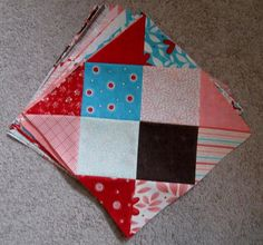 Disappearing 16 Patch Block - (Happy Quilting) has made a sensational variation on the standard nine patch quilt block that becomes a gorgeous diamond pattern. Bring a new twist to your patchwork quilting with a different kind of nine patch quilt pattern. Quilting Tutorials, Quilting Projects, Quilting Designs, Quilting Tips, Patchwork Quilting, Scrappy Quilts, Quilt Block Patterns, Pattern Blocks, Quilt Blocks