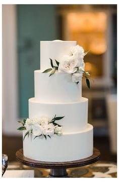 Never ever under no scenarios put your wedding event cake near the dance flooring due to the fact that the boogie bopper may trigger a lotta distress. A consistent table is a need to for the cutting of the cake. 4 Tier Wedding Cake, Wedding Cake Rustic, Elegant Wedding Cakes, Wedding Cake Designs, Our Wedding, Dream Wedding, Elegant Cakes, Fall Wedding, Purple Wedding