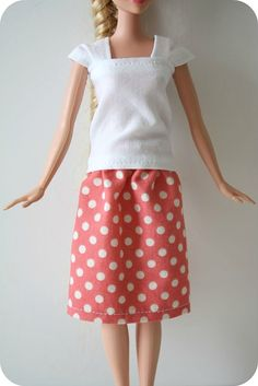 "easy barbie skirt tutorial.  fabric 7.5"" wide by 4.5"" (or longer).  4 inches (or so) of 1/4"" elastic."
