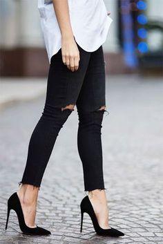 New fashion shoes heels simple black pumps ideas Pink Heels, Stiletto Heels, Black Heels Outfit, Black Pumps Heels, High Heel Pumps, Shoes Heels, Fashion Models, Fashion Shoes, Fashion Clothes