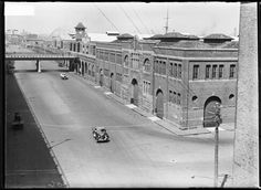 Huddart Parker's wharf entrance Hickson Rd,Darling Harbour in Sydney in Brisbane, Sydney, Darling Harbour, Historical Images, Old Photos, Entrance, Past, Australia, Times