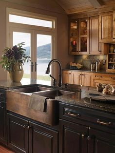 Country kitchen designs - Affordable Rustic Kitchen Cabinet Ideas For Amazing Kitchen – Country kitchen designs Kitchen Sink Decor, Kitchen Sink Design, Rustic Kitchen Design, Farmhouse Kitchen Cabinets, Kitchen Ideas, Kitchen Inspiration, Diy Kitchen, Awesome Kitchen, Kitchen Layout