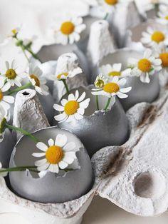 DIY-Anleitung: Ostereier-Vase basteln / diy tutorial for an Easter egg vase via DaWanda.com