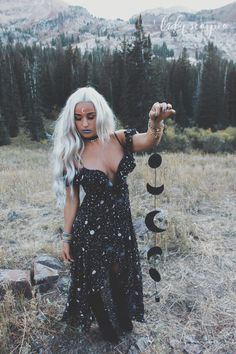 I T C H ☆☽ Season of the Witch with Lady Scorpio ✶ Gypsy Halloween with the Black & Lavender Moon Phases ✶ Alexa Halladay wearing black dress by Verge Girl + Free People choker Festival Looks, Rock Chic, Basic Fashion, Estilo Hippie, Hippie Goth, Witch Fashion, Nu Goth Fashion, Season Of The Witch, Modern Witch