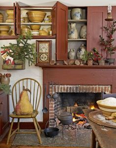 When their 1777 Connecticut home is filled with the scent of pine boughs and baking, Leslie and Steven Powell know it's meant for a Colonial Christmas.