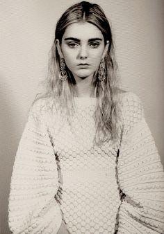 "moldavia: "" Katherine O'Brien in Lula by Amy Gwatkin "" Knitwear Fashion, Knit Fashion, Fashion Looks, Women's Fashion, Editorial Photography, Fashion Photography, Chanel Sweater, Beauty Shots, New Girl"