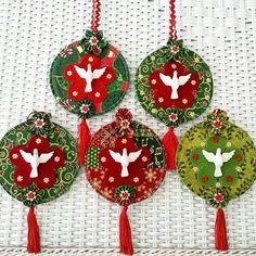 Nativity Ornaments, Fabric Ornaments, Christmas Nativity, Christmas Tree Ornaments, Christmas Diy, Decor Crafts, Christmas Crafts, Recycled Cds, Geometric Embroidery