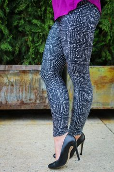 These are the only yoga pants you can literally get away with wearing to a business meeting and then to class on your mat. Meet @howwesoul