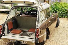 Citroën DS/ID Break Familiale (banquette avant 3 places, 2 strapontins en quinconce dans le coffre)