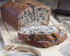 This banana bread recipe is the best keto bread recipe. If you are looking for an easy and healthy keto bread recipe, you should never miss this low carb banana bread or almond flour banana bread. Banana Bread Low Carb, Cinnamon Banana Bread, Coconut Banana Bread, Best Low Carb Bread, Lowest Carb Bread Recipe, Healthy Banana Bread, Banana Bread Recipes, Coconut Flour, Keto Friendly Bread