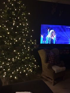 Our Christmastree Instagram: camillashome Flat Screen, Christmas Tree, Pictures, Instagram, Home, Blood Plasma, Teal Christmas Tree, Photos, Ad Home