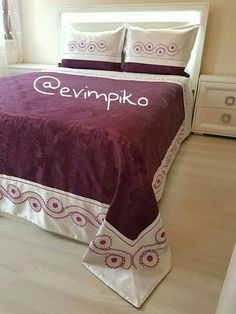 Cama King, Moda Emo, Bedclothes, Viking Tattoo Design, Fitness Tattoos, Bed Covers, Bed Spreads, Wordpress Theme, Bed Sheets