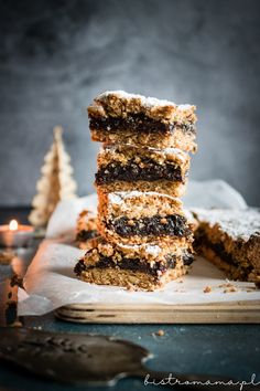 Krajanka cynamonowa ze śliwką | bistro mama Desserts, Christmas, Interior, Food, Natal, Indoor, Postres, Xmas, Deserts