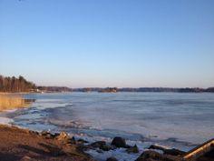 Aikainen kevät Marjaniemen rannassa (Helsinki)