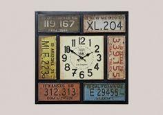 Vintage metalen klok, vierkant  (kentekens)