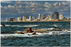 Tel Aviv coastline and the famous andromeda rock !