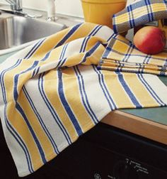 Playing With Stripes Kitchen Towels. Almost nothing is as satisfying as weaving dish towels! You'll find these towels easy and fun to weave and a pleasure to use. Made with Aurora Earth unmercerized cotton. Loom Weaving, Hand Weaving, Navajo Weaving, Weaving Art, Dish Towels, Tea Towels, Yarn Display, Cotton Clouds, Types Of Weaving