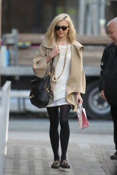 Celebrities In Pictures: Fearne Cotton Fearne Cotton, Gamine Style, Tv Presenters, Cotton Style, Style Icons, Fashion Forward, Celebrity Style, Winter Fashion, Style Inspiration