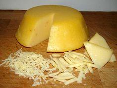 Mennyei Házi trappista sajt recept! Ez a sajt szeletelhető és reszelhető is, meg is olvad sütőben. :) Van aki elkészítette bolti jó minőségű tejből és a jó minőségű túróból nekik is sikerült elkészíteni, egyedül az olcsó bolti túróval és a 3,5 % alatti tejekkel nem működik. Ha nagyon meleg van, akkor a szárítást is a hűtőben készítem. ;) Hungarian Cuisine, Hungarian Recipes, Wine Recipes, Vegan Recipes, Cooking Recipes, Food Pyramid Kids, Homemade Cheese, Herb Butter, Cheese Recipes