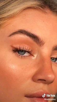 Makeup Eye Looks, Eye Makeup Art, Natural Makeup Looks, Cute Makeup, Pretty Makeup, Skin Makeup, Flawless Face Makeup, Dewy Makeup Look, Freckles Makeup