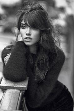 Les plus belles coiffures de Damien Boissinot dans Vogue Paris : Grace Hartzel photographiée par Lachlan Bailey
