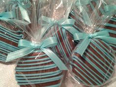 Items similar to Tiffany Blue Chocolate Covered Oreos Cookies Wedding Favors It's a Boy Christening Favors Tiffany Baby Shower Party Favors on Etsy Baby Shower Desserts, Baby Shower Party Favors, Baby Shower Cupcakes, Shower Cakes, Baby Shower Parties, Christening Favors, Boy Christening, Baptism Favors, Boy Baptism