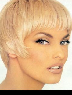 Linda Evangelista, makeup by Kevin Aucoin.