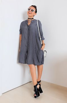 10 maneiras de atualizar o look com vestido chemise. Pretty Outfits, Cool Outfits, Summer Outfits, Casual Dresses, Casual Outfits, Cool Girl Style, Camisa Formal, Look Fashion, Fashion Design