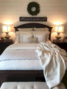 Stunning dark wood bedroom furniture ideas home bedroom pertaining to Farmhouse Style Bedrooms, Farmhouse Master Bedroom, Farmhouse Headboards, Country Bedrooms, Bedroom Rustic, Pottery Barn Bedrooms, Bedroom Vintage, Couple Bedroom, Girls Bedroom