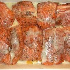 Karácsonyi lazac narancságyon | Orchideacska receptje - Cookpad receptek Fish Recipes, Salmon, Seafood, Toast, Pork, Food And Drink, Chicken, Drinks, Cooking
