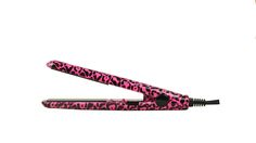 VOLUME IRON™ Go in style… everywhere! The Royal Juicy Go mini Series Flat Iron provides professional quality styling of a full size flat iron in a convenient and compact design. This small yet versatile flat iron lets you straighten, curl, or flip. Plus, it's the perfect travel companion. Toss it in your bag and go, take it to the gym, or save space at home! Great for touch ups, short hair styles, and bangs.