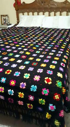 Crochet Ripple Blanket, Crochet Squares, Crochet Granny, Granny Squares, Knit Crochet, Crochet Basket Pattern, Crochet Patterns, Bed Spreads, Crochet Projects