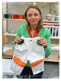 Orange tendance avec ce pantalon garçon // Trendy orange with these pants kid boy