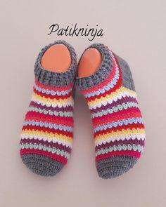 #botpatik #patikmodelleri #patik #çorap #rengarenk #çeyizlik #hediyelik #örgüçorap #gelinlik #gelin #damat #bohça #nişanbohçası #handmade… Crochet Baby Boots, Crochet Gloves, Knitted Slippers, Crochet Slippers, Knit Crochet, Crochet Designs, Crochet Patterns, Pinterest Crochet, Crochet Slipper Pattern