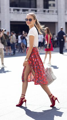 Beautiful floral skirt paired with red heels!