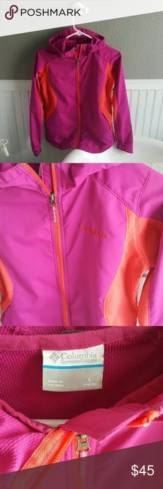 GREAT Condition Columbia Jacket! Selling a GREAT Condition Columbia Jacket! This jacket is lightweight, great colors! Bright, adjustable velcro hood, nice deep pockets, size 14/16 girls, would fit a woman's size small. Columbia Jackets & Coats
