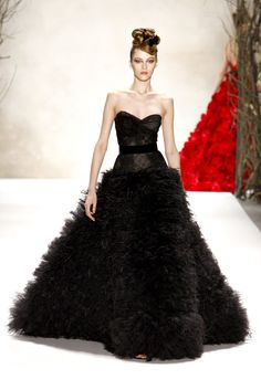 Monique Lhuillier Fall 2011 Ready-to-Wear Fashion Show - Yulia Kharlapanova