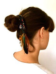Il sagit de moût ont des accessoires pour cheveux en ce moment ! Tellement plus quun simple plume extensions de cheveux.  Clip dans lenveloppe de plume
