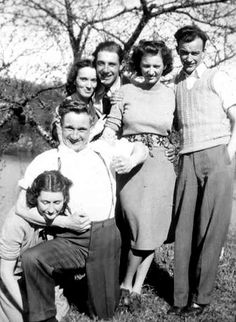 Last time all the Aunts and Uncle's don' got together before the depression hit. Ain't nobody got money to spare on traveling.