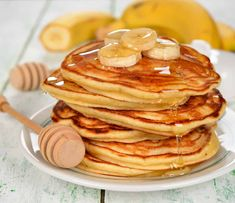 Banana Coconut Pancakes are full of coconut and vanilla flavor with a lot less calories than any diner pancake. You can even make these vegan if desired. Pancake Muffins, Breakfast Pancakes, Breakfast Time, Breakfast Recipes, Banana Breakfast, Pancake Recipes, Brunch Recipes, Coconut Pancakes, Banana Pancakes