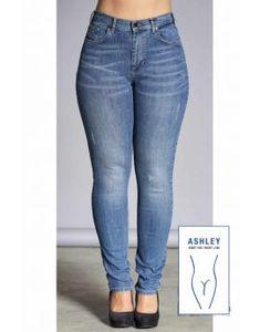 Plus size nyheder Find nyt dametøj til store kvinder her Tights, Leggings, New Woman, Winter Outfits, Cardigans, Capri, Skinny Jeans, Plus Size, Denim