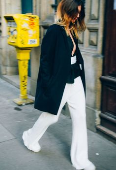 Parisian babe, Labériane, founder of The Blab, in Samsøe & Samsøe Kahlia jacket.